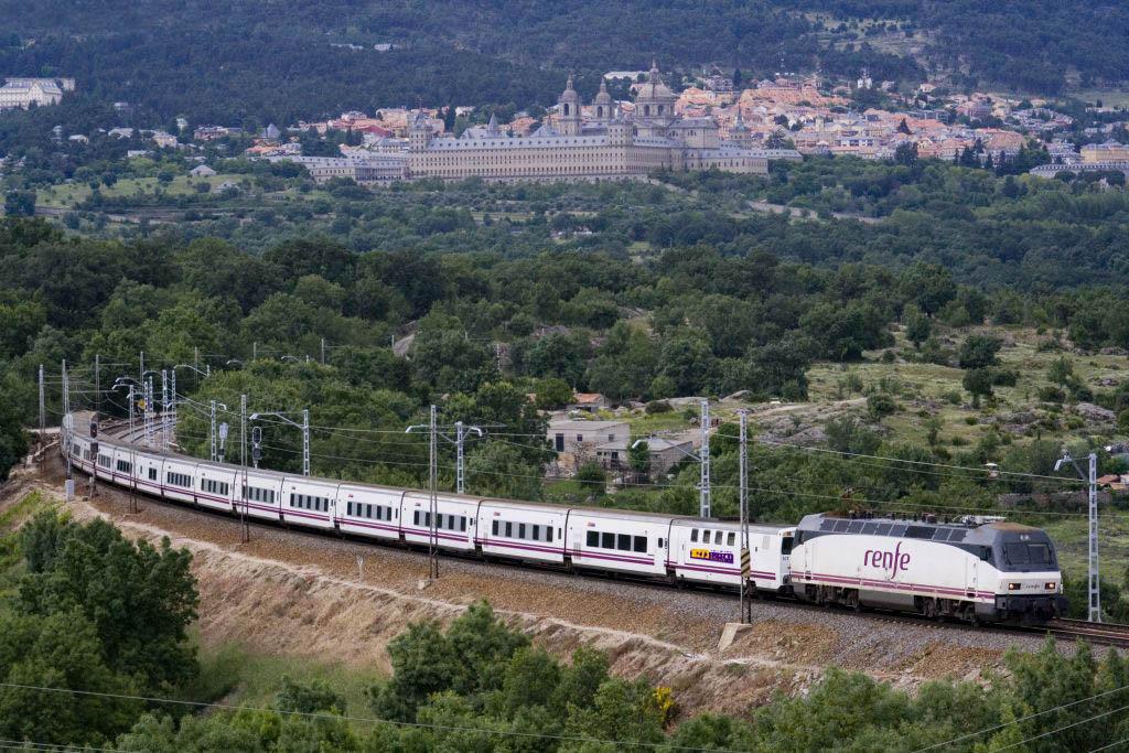con rail europe viajar de noche por europa es m s f cil en On trenhotel barcelona paris
